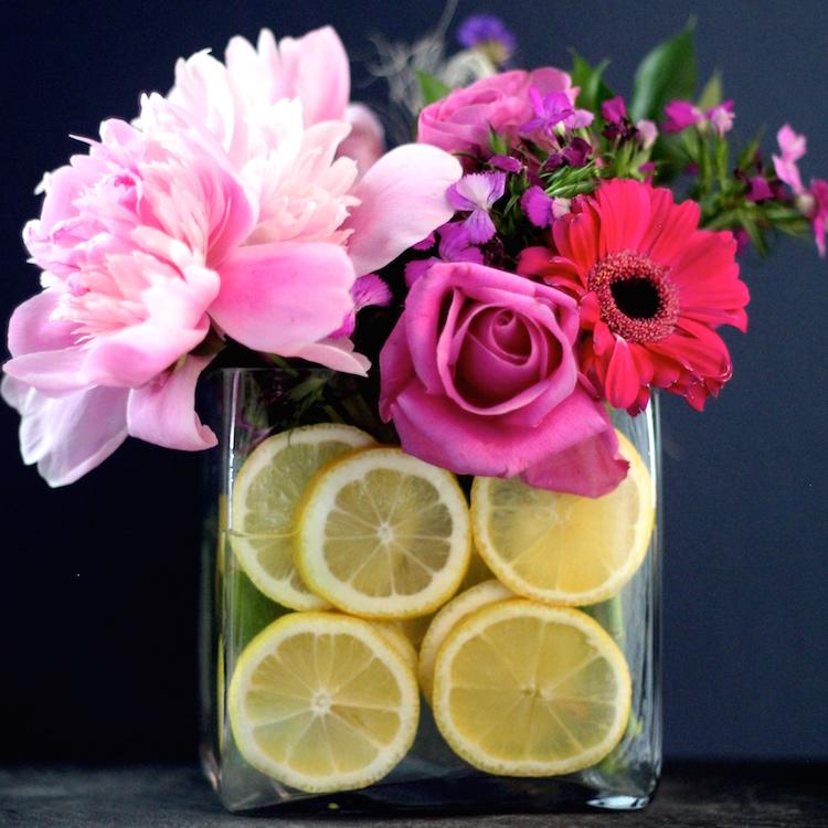 Shining on Design gives you Lemon Decor inspiration and more!