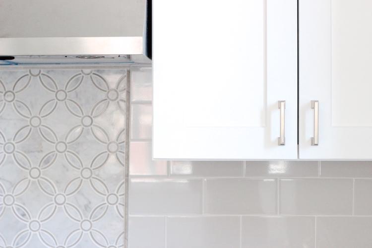 samantha regan design_kitchen backsplash