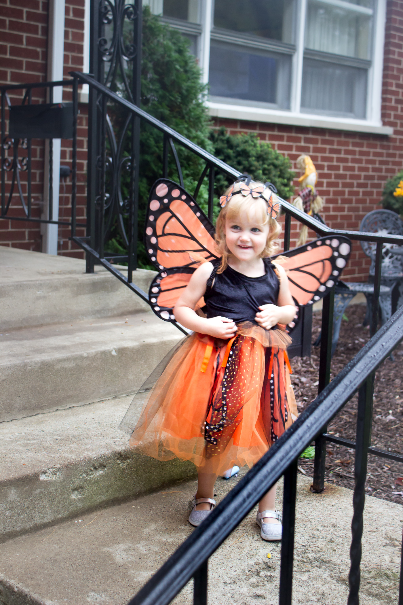 Hope you have a Happy Halloween weekend! I've been looking forward to this weekend for quite some time now because well, kids in costumes are just the cutest! I couldn't wait to see Taylor in this butterfly costume from Potterybarn Kids! I know my dad would have loved it too.
