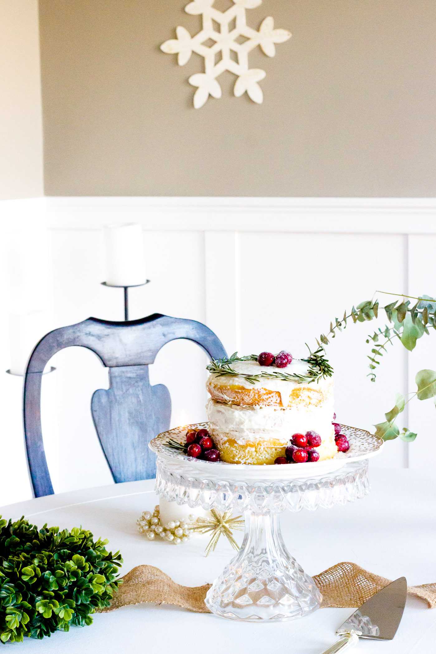 My favorite this year was this naked cake. I've been seeing naked cakes everywhere on pinterest and instagram lately and just love how they look. They are beautiful and look EFFORTLESS. #holidaydessert